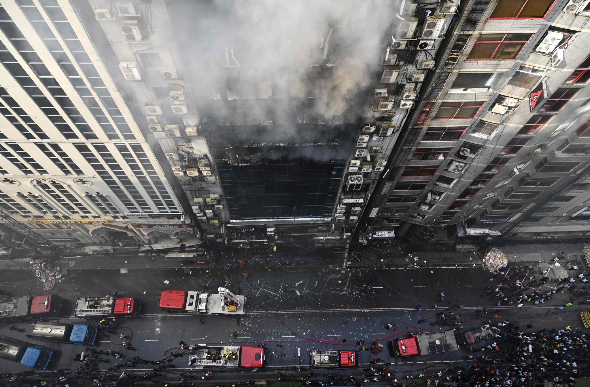 At Least 25 Die in Office Tower Fire in Dhaka, Bangladesh