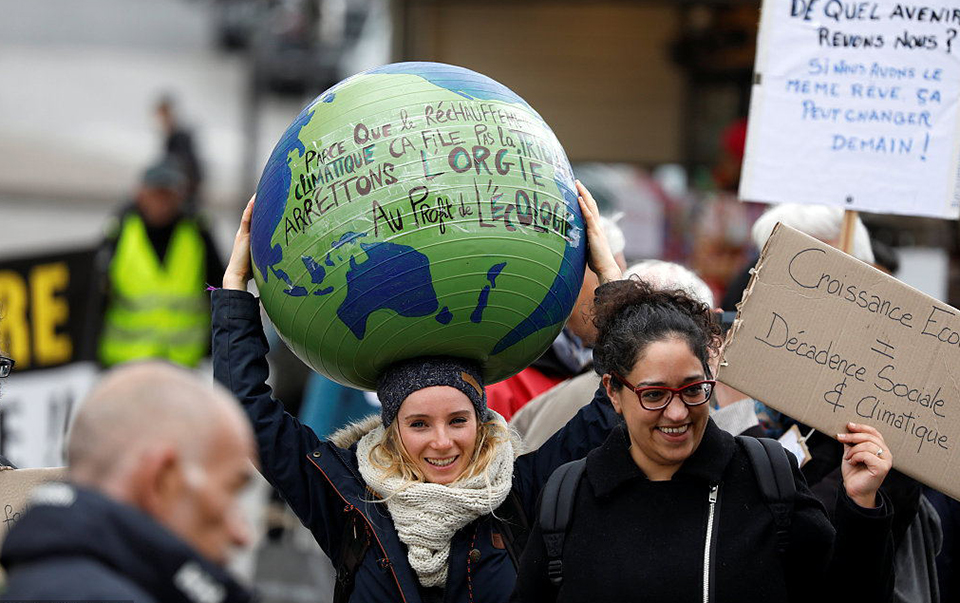 Int'l community pledges more practical actions to tackle climate change