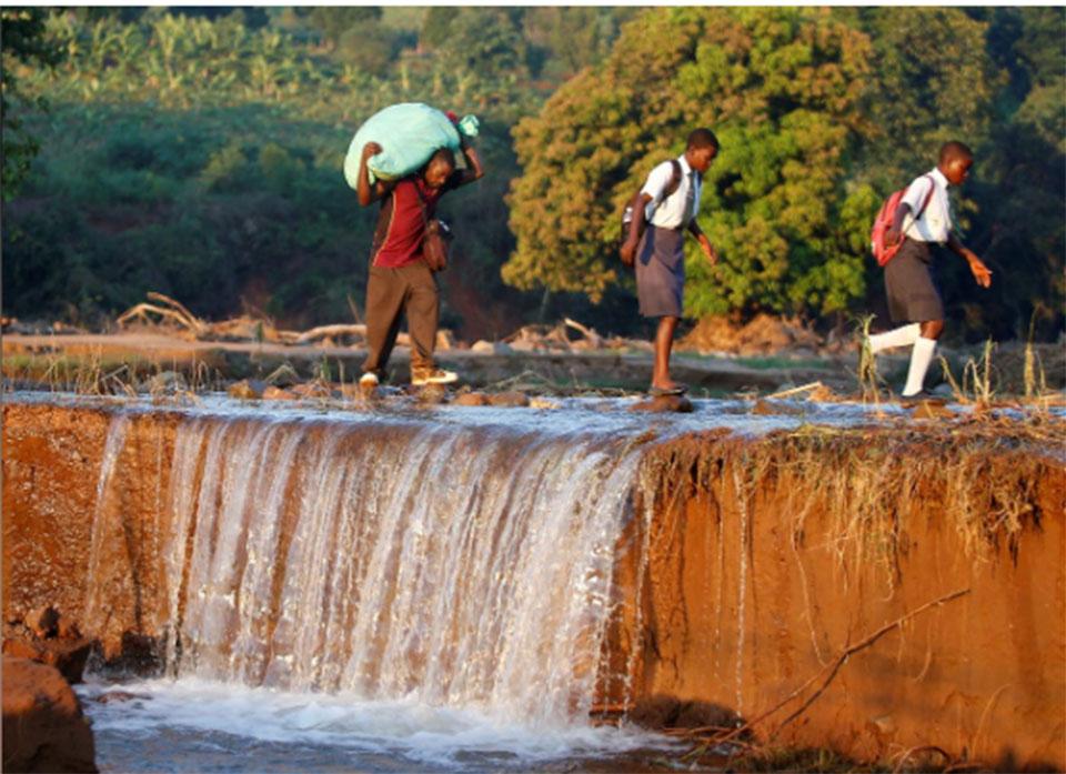 Cyclone Idai batters Zimbabwe, at least 24 people dead