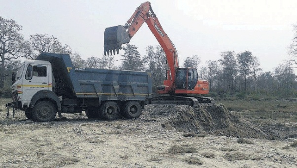Extraction of sand, silt going unchecked in Myagdi