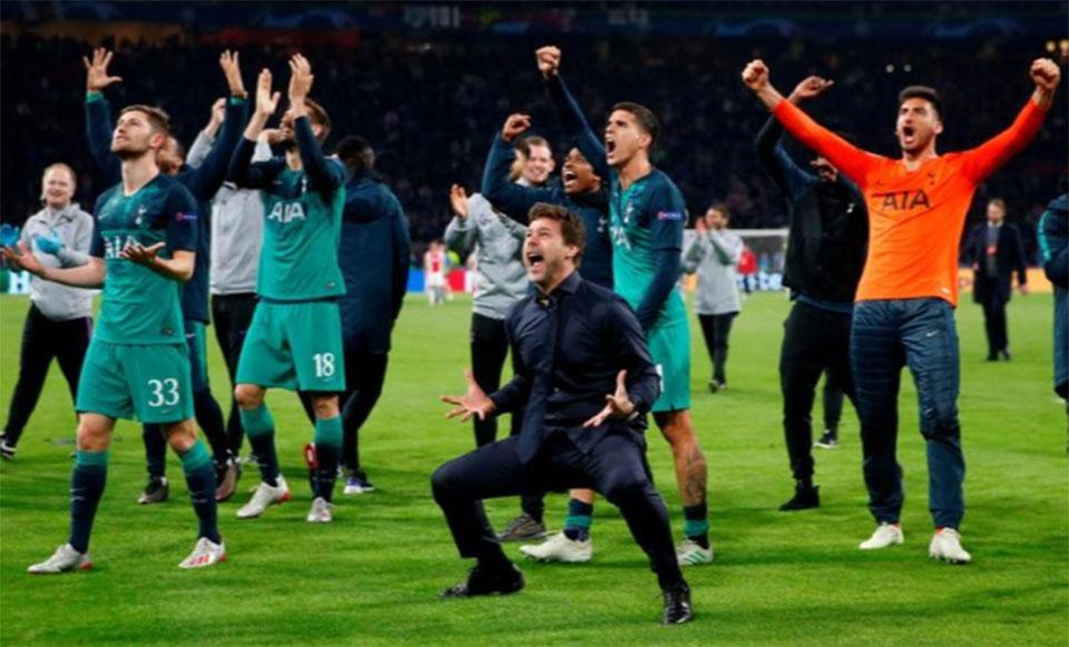 0170c3f9 Moura hat-trick flattens Ajax to put Tottenham into Champions League final