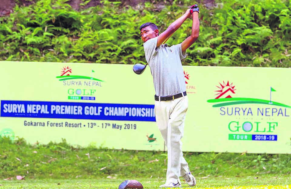 Amateur Tamang takes lead in second round