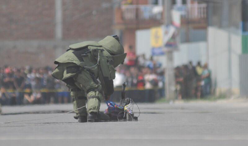 Strike obstructs normal life across the country, IEDs found in several places (with photos)