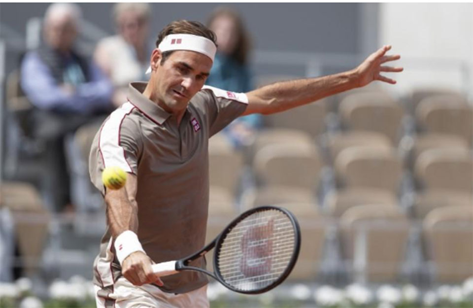 Federer enjoying 'outsider' tag on Roland Garros return