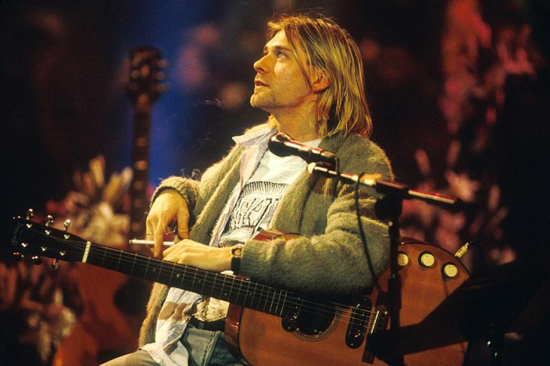 Kurt Cobain's sweater + pizza plate sell for thousands at auction