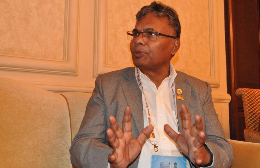 Govt employees should use Nepal fabrics: Minister Yadav