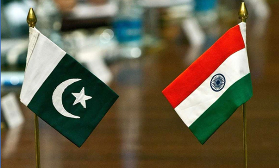Pakistan says wants peace with India, conducts missile test