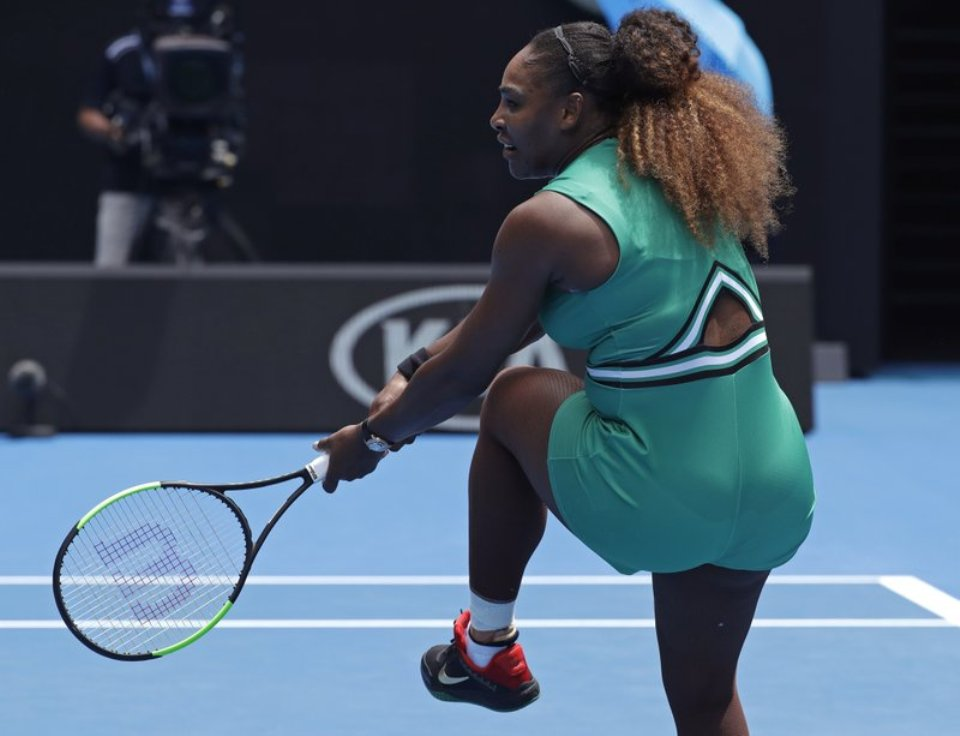 Serena Williams wins Australian Open return; Venus gets by
