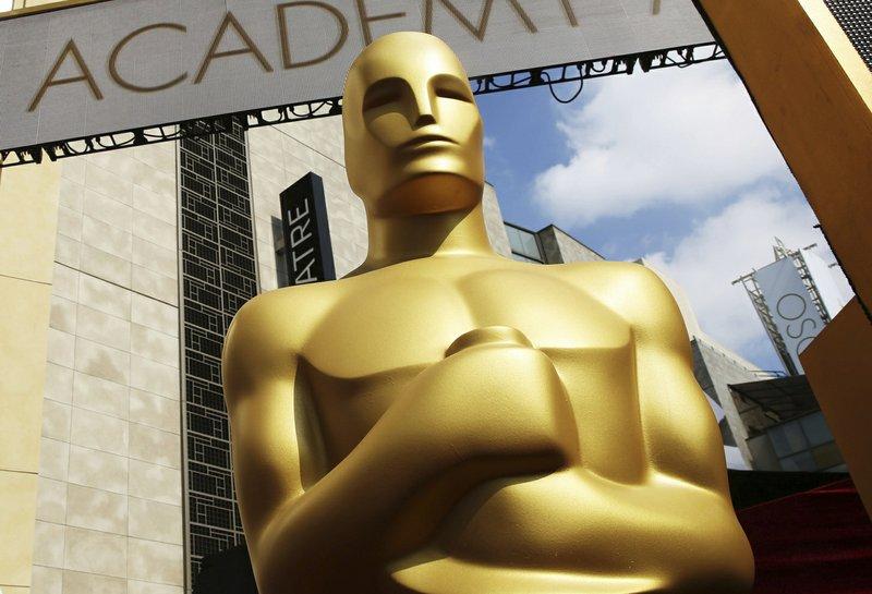 Awkwafina, Tina Fey, Jennifer Lopez to present at Oscars