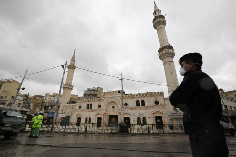 Jordan blows sirens for start of nationwide curfew to combat coronavirus - witnesses