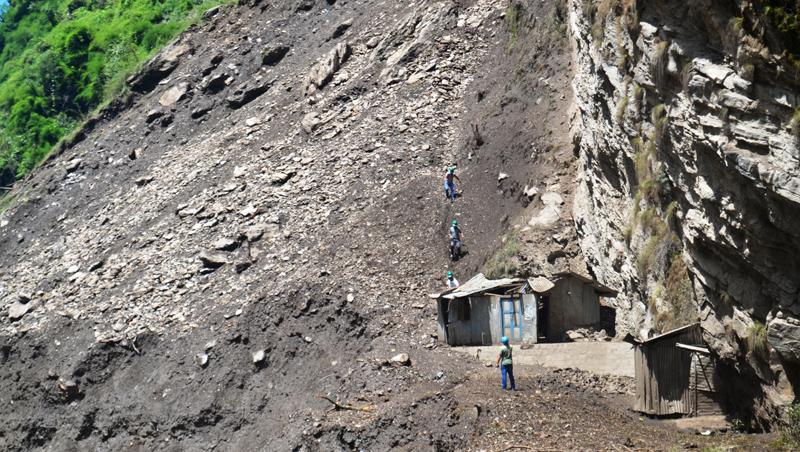 Bhotekoshi flood, landslides cut off six VDCs