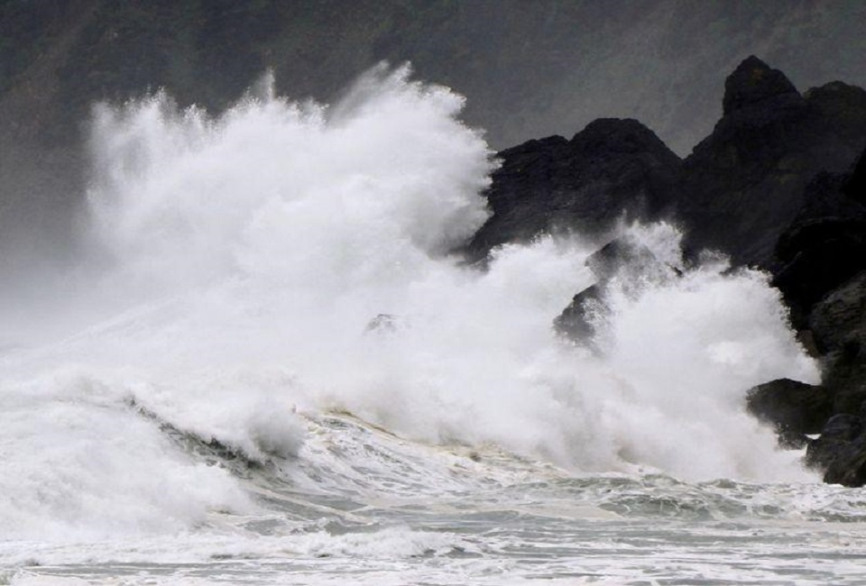 Typhoon Haishen closes in as Japan braces for record wind, rain