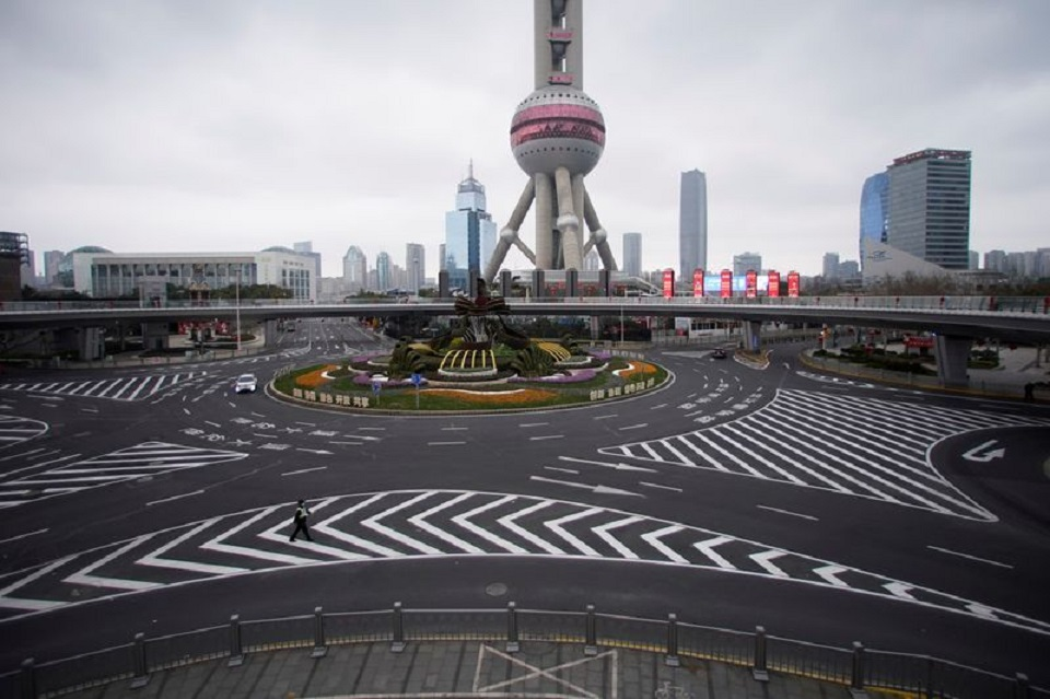 Coronavirus turns busy Chinese cities into ghost towns