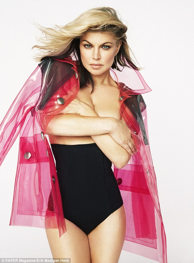 Fergie poses topless for Paper magazine