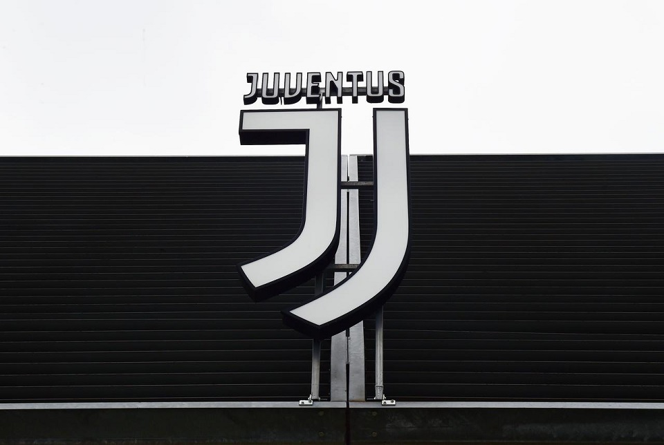 Juventus players, coach Sarri agree pay cut due to coronavirus