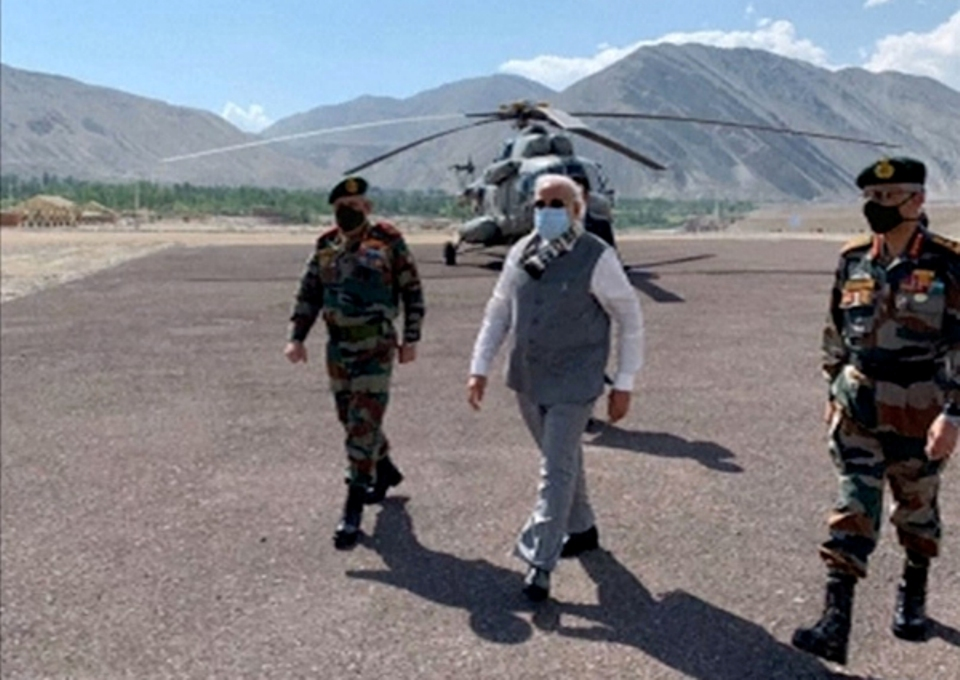 Modi visits Himalayan border where troops clashed with China