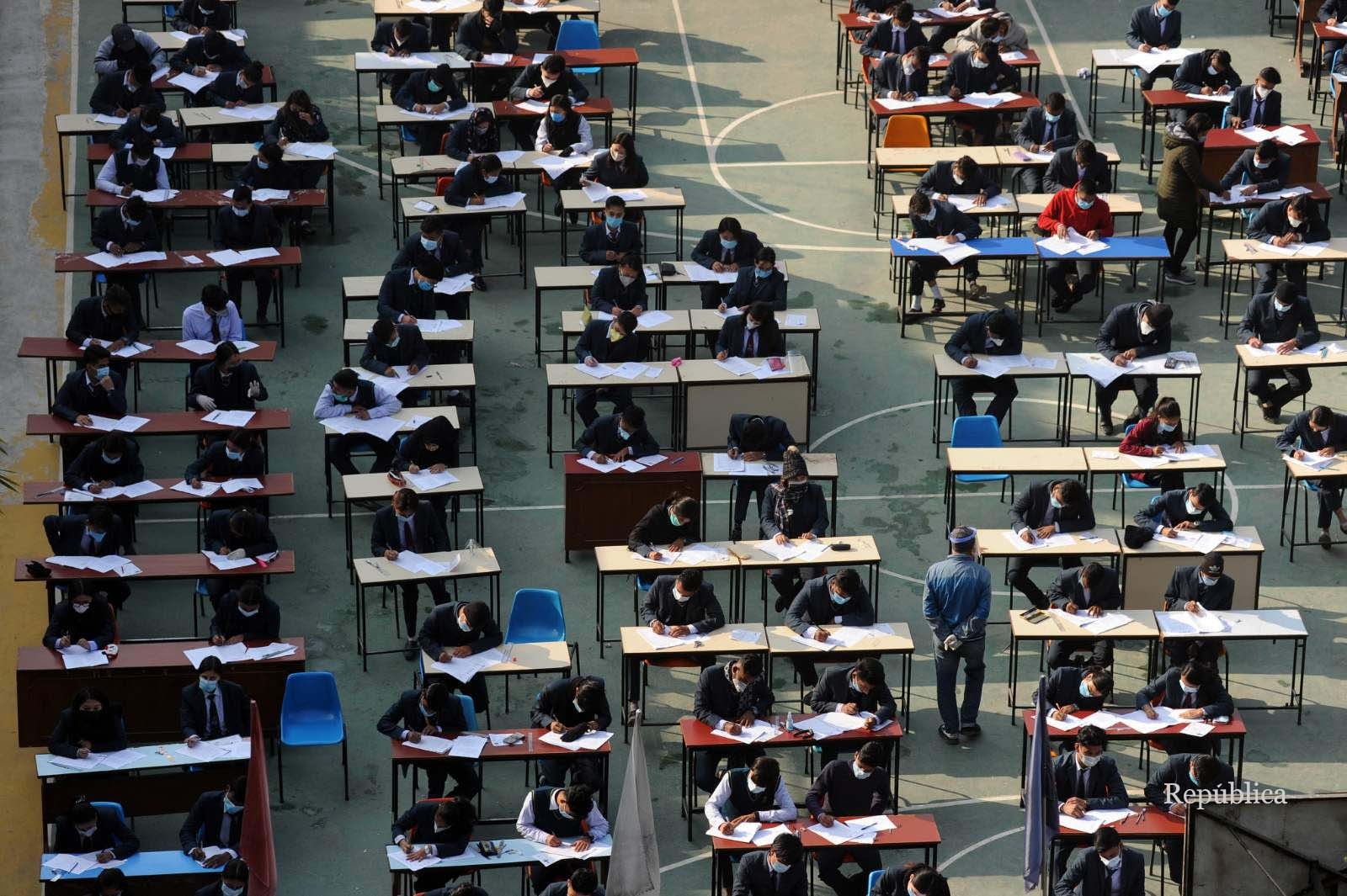 Grade 12 final exams begins amid COVID-19 risk