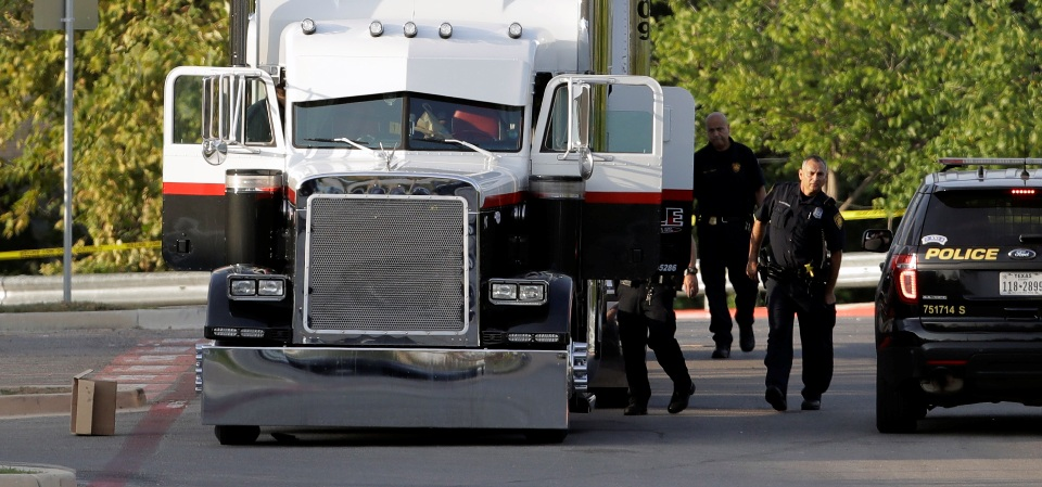 9 die in immigrant-smuggling attempt in sweltering truck in Texas
