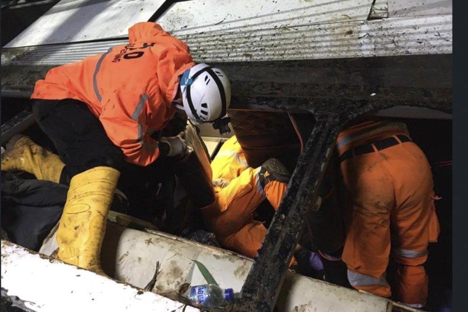 Indonesia bus plunges into a ravine, killing 27 pilgrims