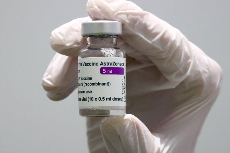 UK advises limiting AstraZeneca in under-30s amid clot worry