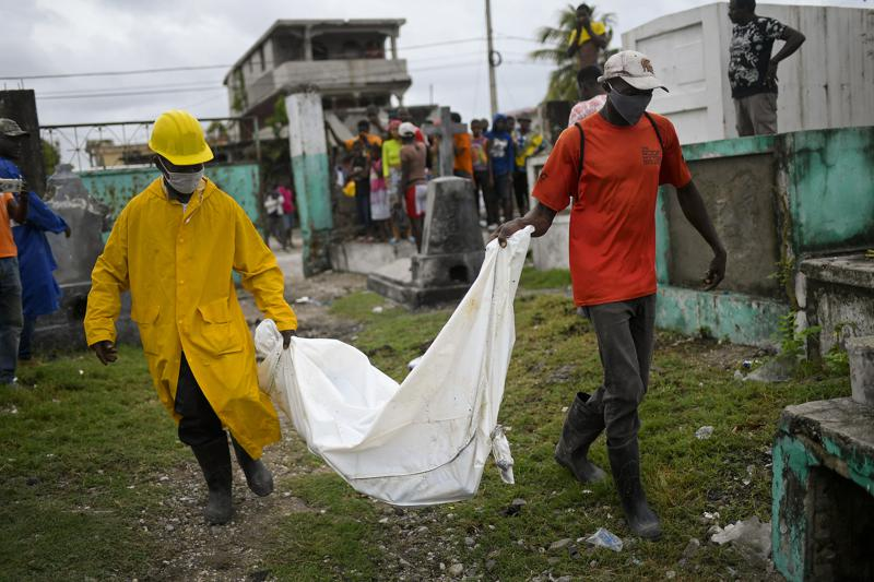 Death toll from Haiti's weekend earthquake rises to 1,941
