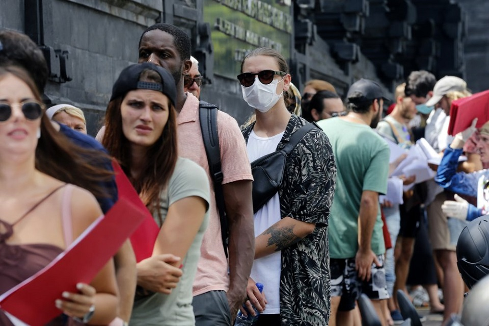 Tourists stranded in Asia by canceled flights, shut borders