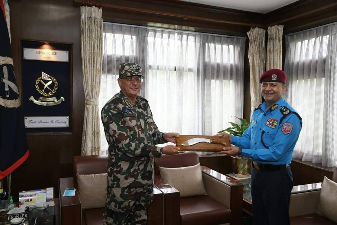 Breaking all past traditions, Army Chief Thapa visits Nepal Police HQ to congratulate newly-appointed police chief
