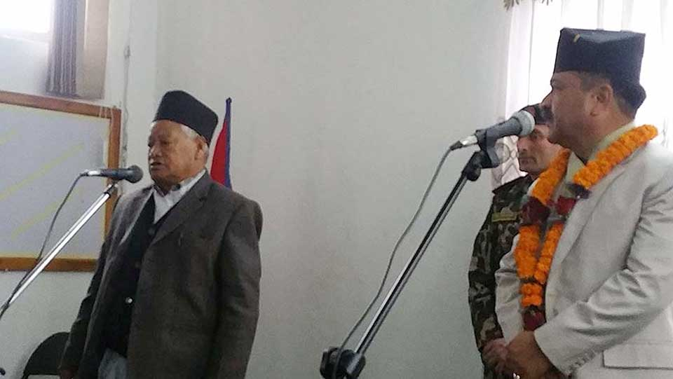 Province Chief Kunwar administers oath to senior-most member