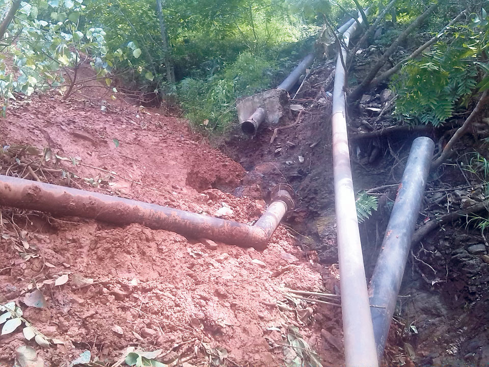 60,000 locals of Baglung deprived of drinking water as landslides destroy water pipes