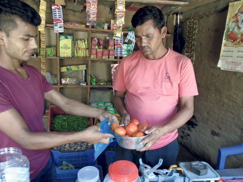 Tomatoes cost Rs 180 a kg in Bajhang