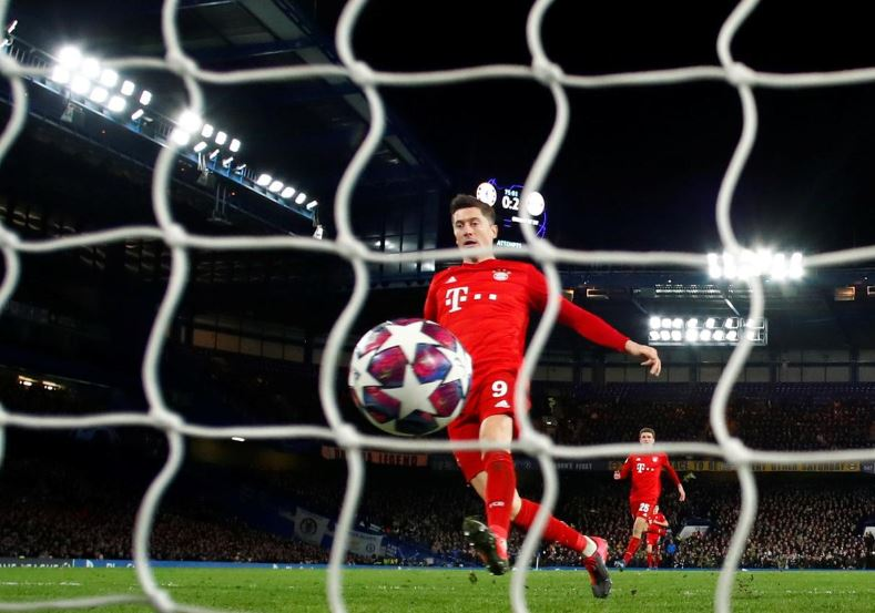 Flying Bayern thump Chelsea 3-0 with two from Gnabry