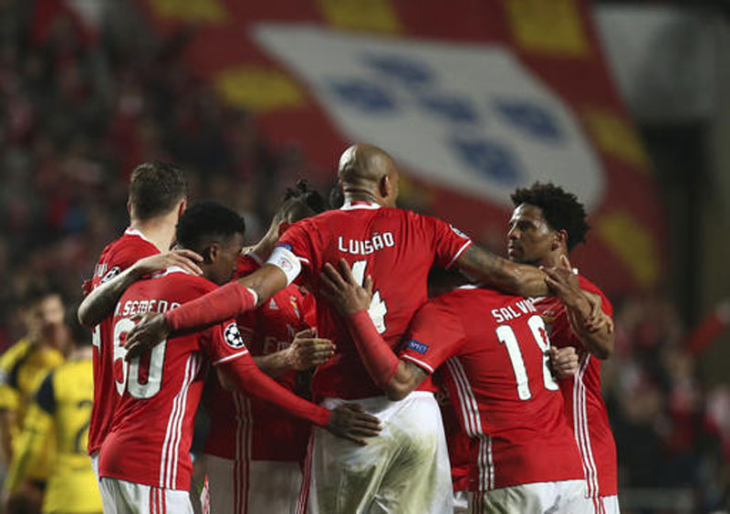 Benfica edges Dortmund 1-0 in last 16 of Champions League