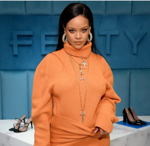 On her birthday, Rihanna gives free Fenty Beauty highlighters to fans