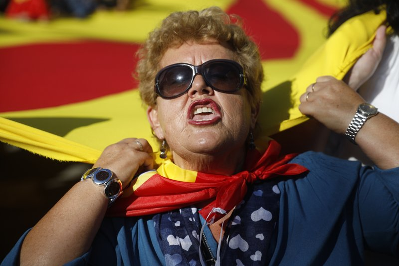 Hundreds of thousands rally in Barcelona for Spanish unity