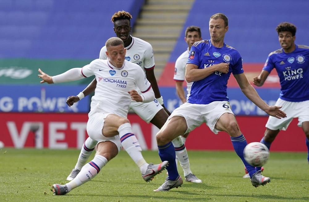 Barkley strike sends Chelsea into FA Cup semis