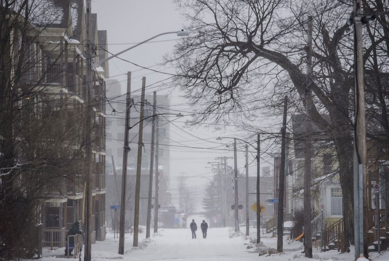 Christmas brings Northeast blizzard, bitter cold in Midwest