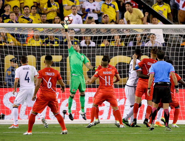 Colombia beats Peru 4-2 on PKs to reach Copa America semis