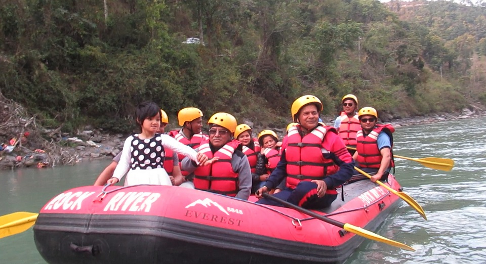 NCP chair Dahal enjoys river rafting in Bhotekoshi (with photos)