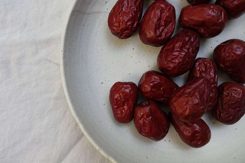 Govt mulls imposing quantitative restrictions on import of betel nut, peas, dates and peppercorns