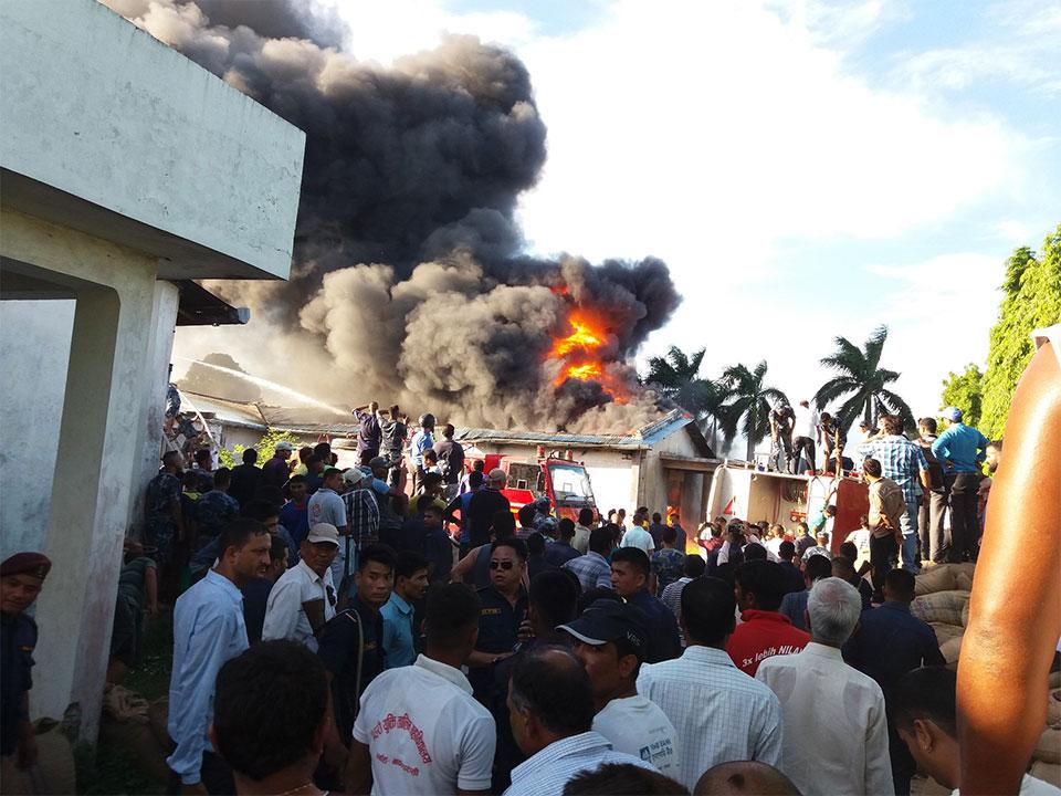 Fire breaks out in Dugar godown