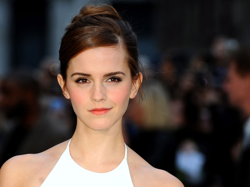 Here's why Emma Watson tries to avoid paparazzi