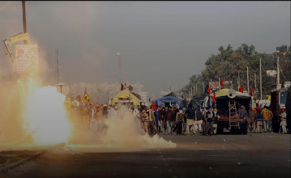Farmers clash with police in protest over market reform in India