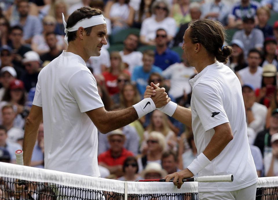 I quit! Federer, Djokovic benefit from Wimbledon retirements