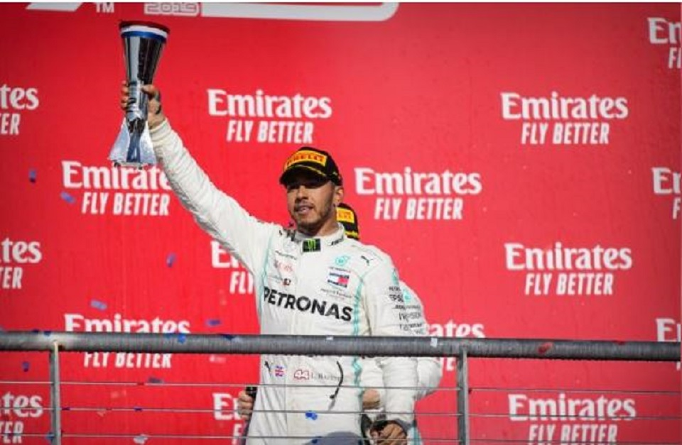 Hamilton painting masterpiece with sixth drivers' title