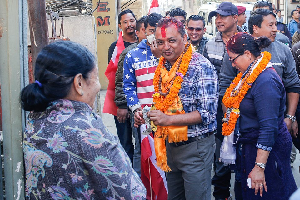 Gagan Thapa busy in poll campaign in Kathmandu-4 (With photos)
