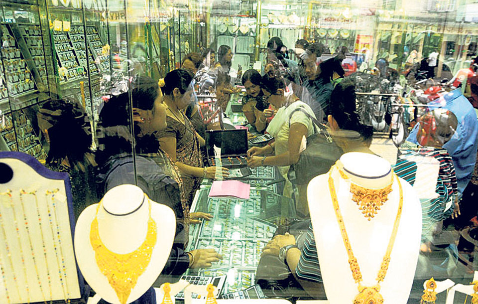 Gold hits new record of Rs 74,500 a tola