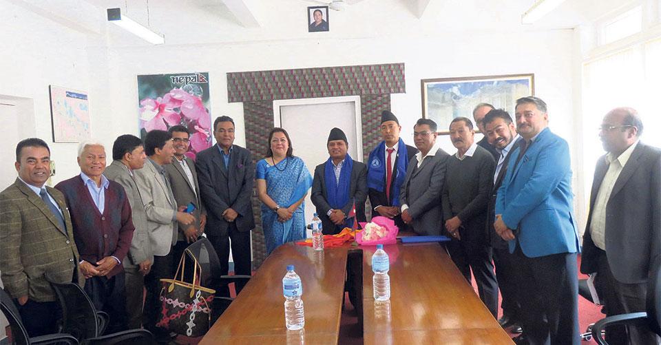 HAN submits memorandum to tourism minister
