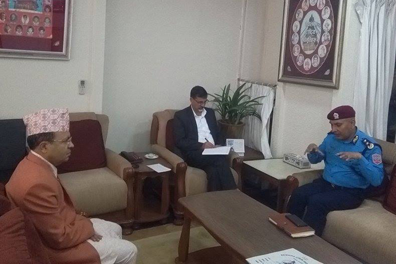 Home Minister Sharma directs  for effective traffic management in valley