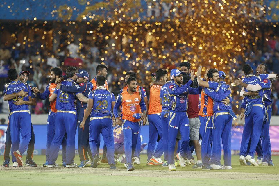 Mumbai Indians clinch thrilling IPL final against Supergiant