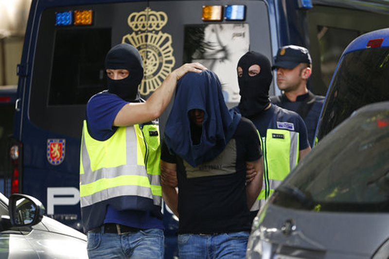 Police detain 6 IS suspects in Spain, Britain and Germany